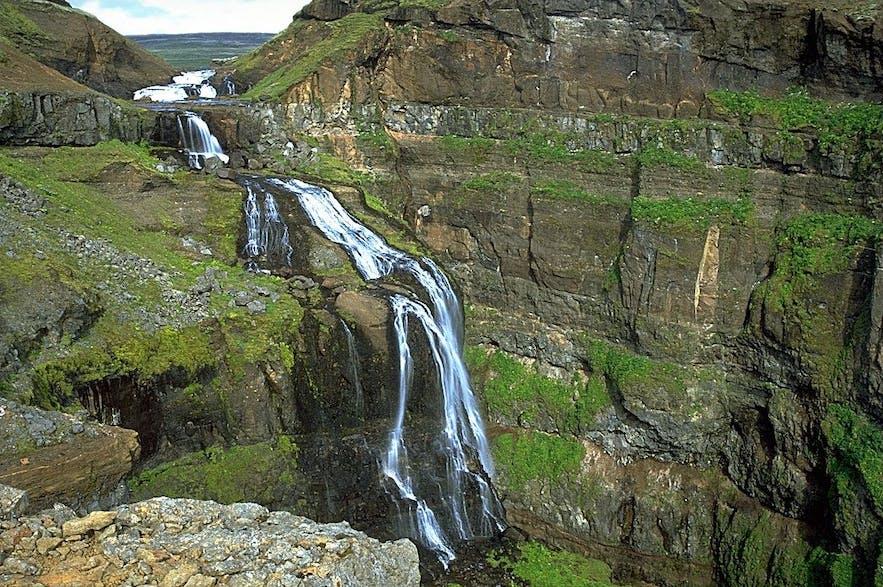 格里穆瀑布是冰岛最高的瀑布只以