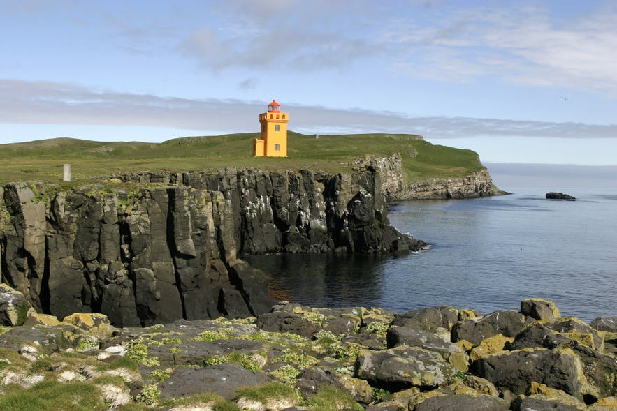 格里姆塞小岛上有全冰岛最北的灯塔