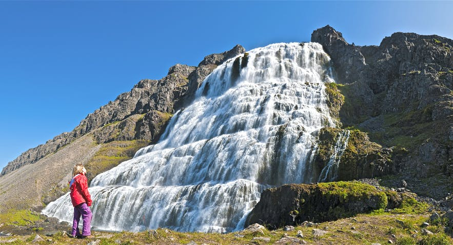 Cascade Dynjandi dans les fjords de l'Ouest en Islande