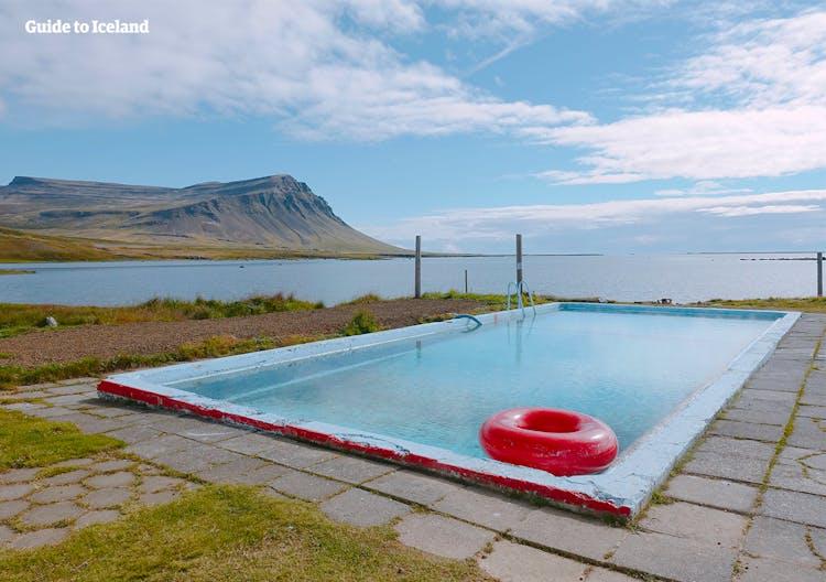 Pochissimi visitatori si recano nei remoti fiordi occidentali, anche in estate.