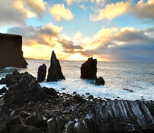 Private Reykjanes Peninsula day Tour in a new Mercedes Benz V-class