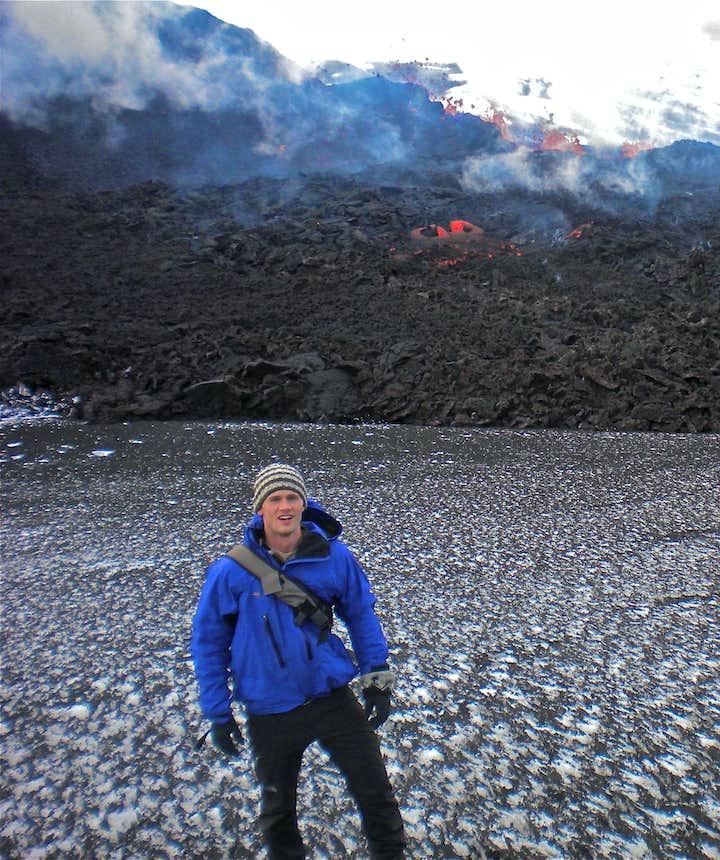 Tak wygląda dotarcie do wulkanu, który ma erupcję