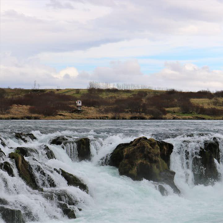 冰岛内陆高地隐藏了许多冰岛特色地貌,例如河流与瀑布