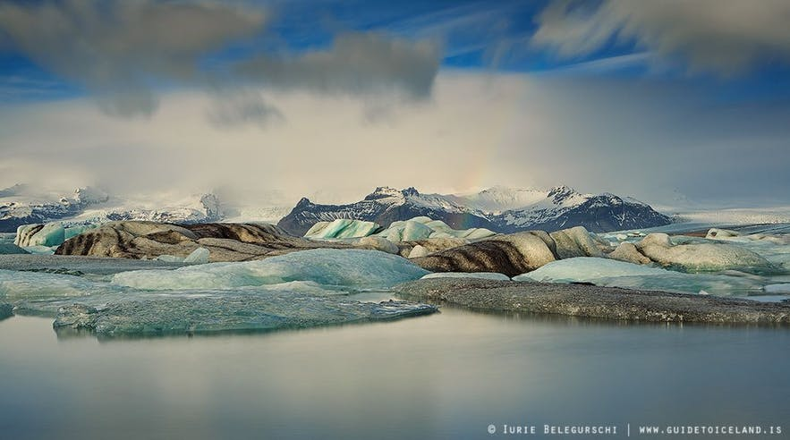 Ледниковая лагуна Йокульсарлон под Ватнайёкюдль недалеко от Скафтафетля.