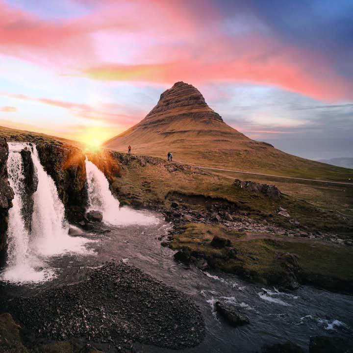 12-godzinna wycieczka w małej grupie po Snaefellsnes z muzyką islandzką na pokładzie i transferem z Reykjaviku