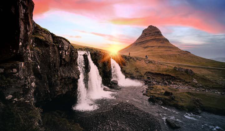 Однодневный тур на Снайфелльснес   Маленькая группа и исландская музыка в дороге
