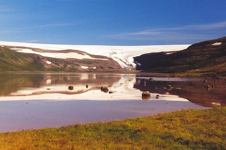 ドランガヨークトル氷河、写真 AgainErick from Wikimedia Commons