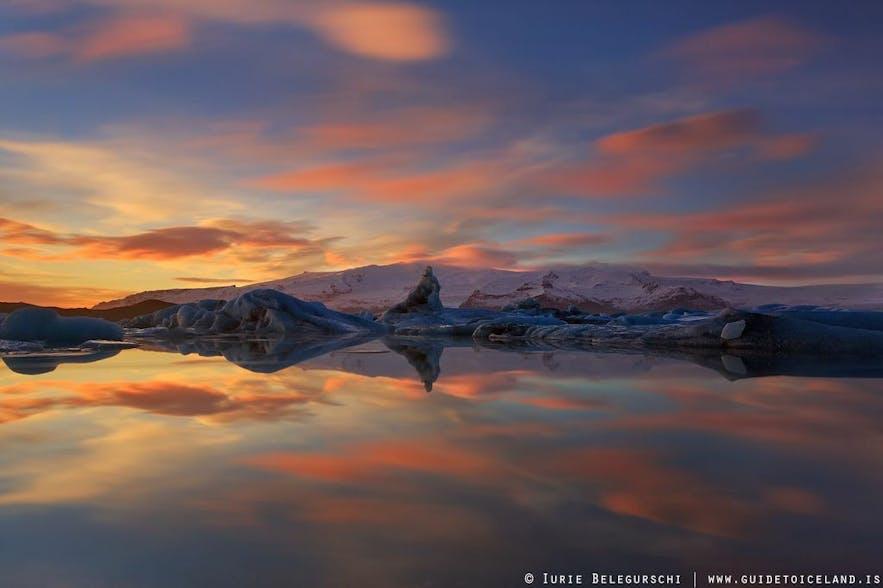 冰岛的瓦特纳冰川国家公园内的杰古沙龙冰河湖