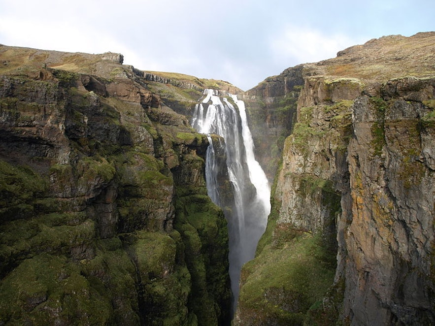 glymur waterfall in iceland, photo by Jabbi from Wikimedia Commons