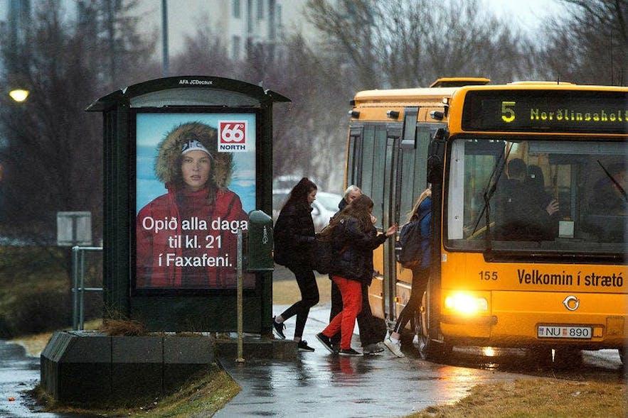 Passengers boarding the number 5 bus in Reykjavík.