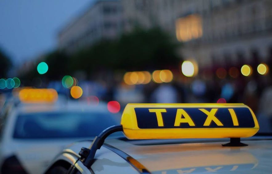 There are two taxi services in Reykjavík, Hreyfill and BSR