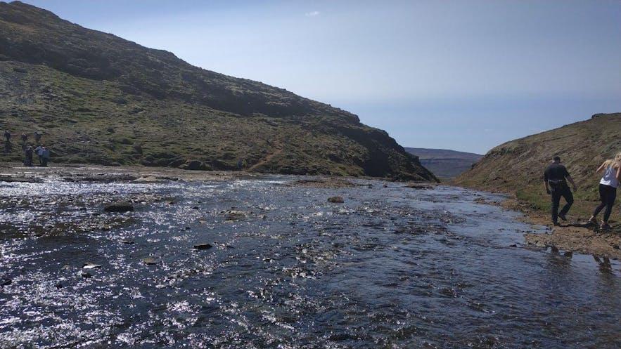 El río que da lugar a la cascada