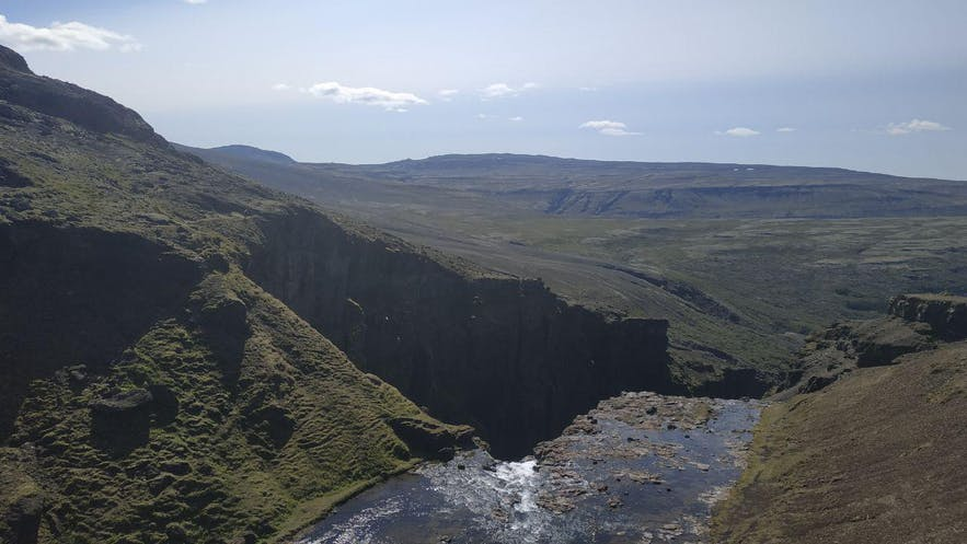Vistas del nacimiento de la cascada