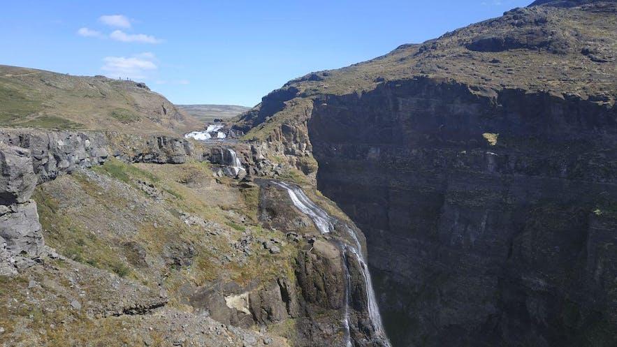 Glymur desde el otro lado del valle