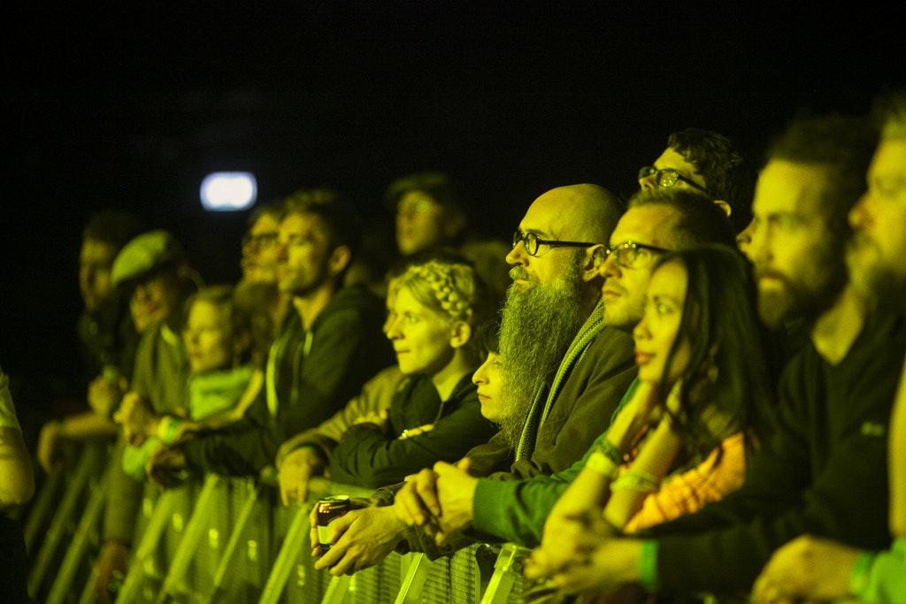 Deerhoof crowd by Magnús Elvar Jónsson