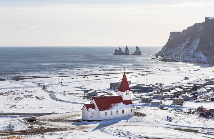 冰島著名小鎮南岸維克鎮Vik