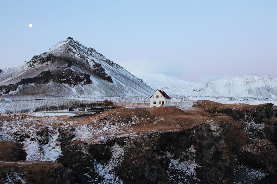 冰島斯奈山半島Arnarstapi小鎮