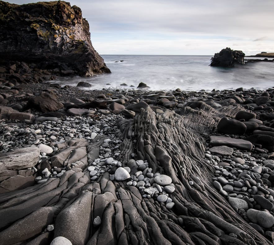 冰島hellnar小鎮Valasnos海崖