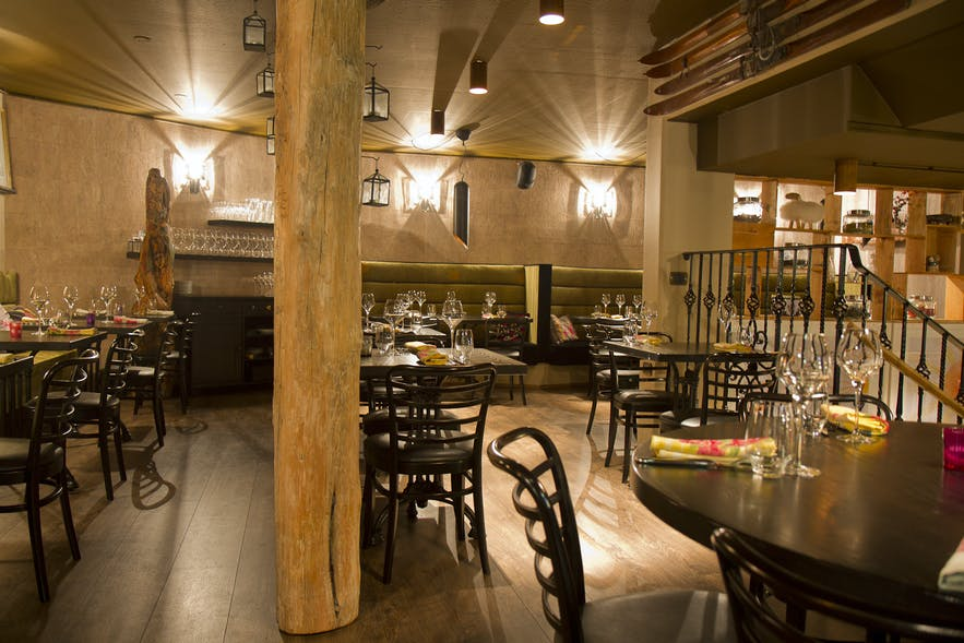 Sjávargrillið restaurant indoors