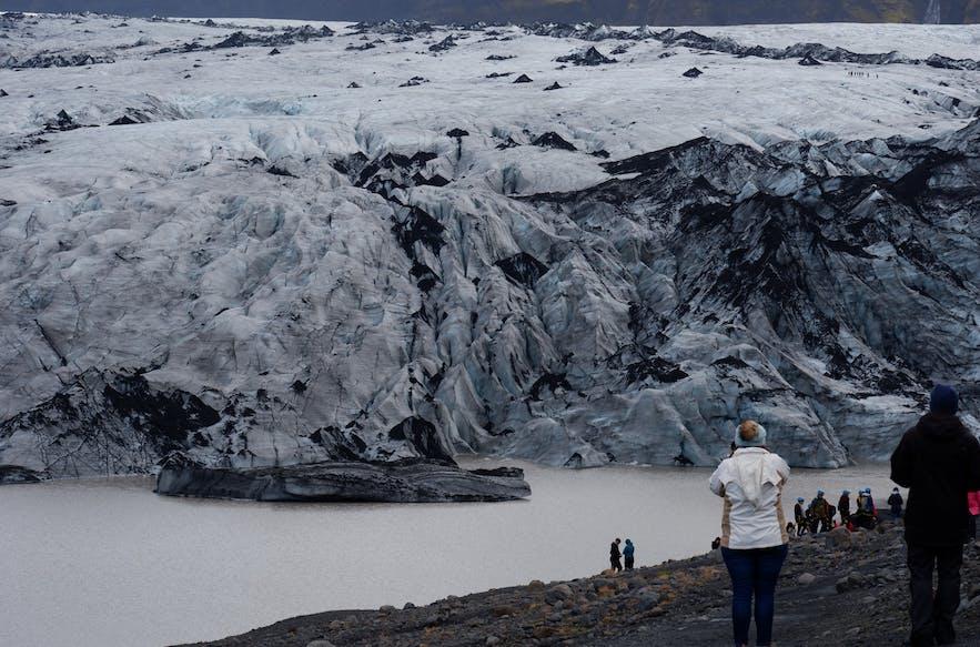 빙하 주변, 거대한 빙하