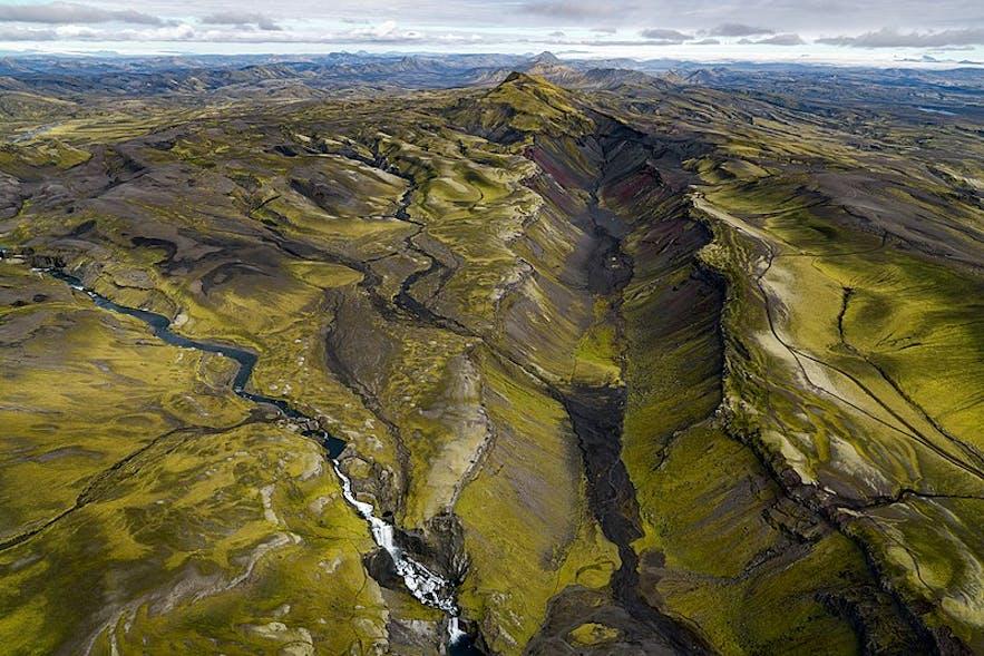 冰岛南部的埃尔德焦峡谷是世界上最大的火山峡谷