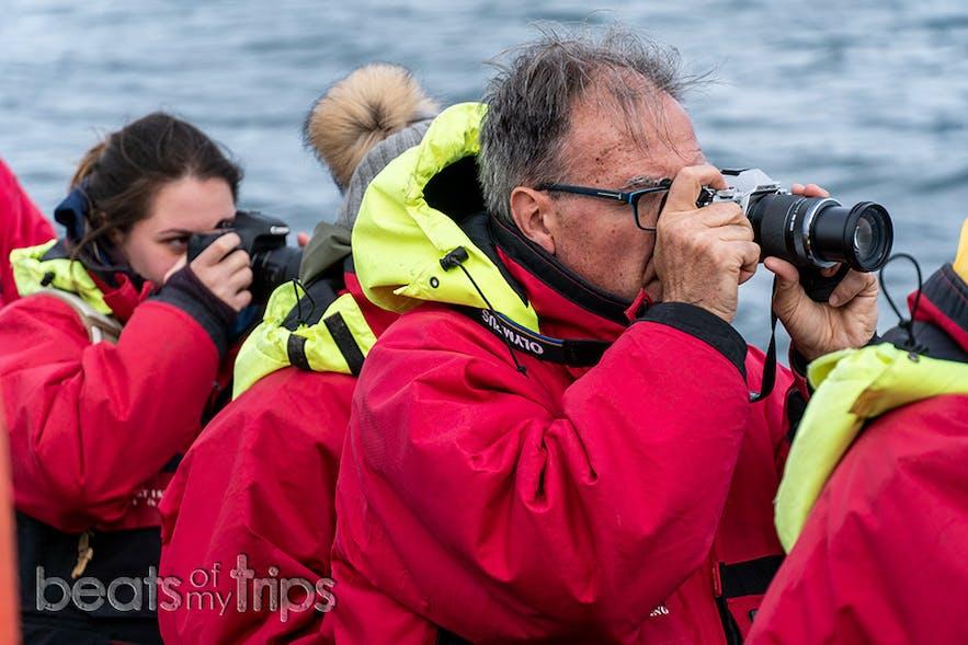 Trabajo duro el de buscar ballenas, chorro, cola y balsa de agua son las 3 señales