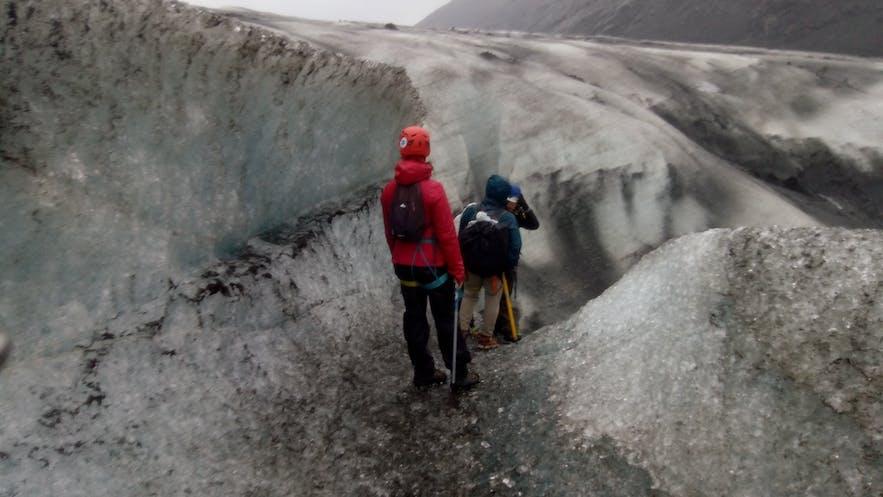 Asomándonos al enorme agujero del glaciar