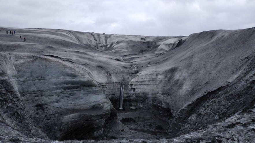 Cascada en el glaciar