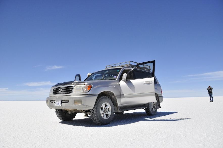 현지 렌트카 업체는 다양한 차량을 준비하고 있어 선택의 폭이 넓습니다.