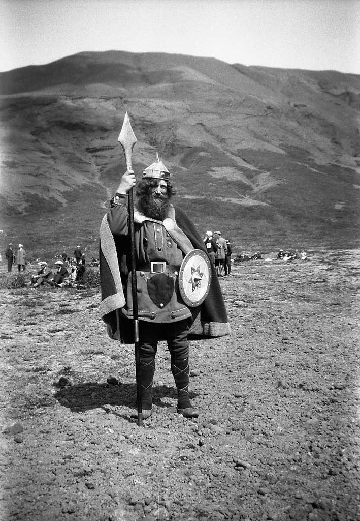 Oddur sterki Celebrating One Thousand Years of Alþingi in 1930, by Berit Wallenberg