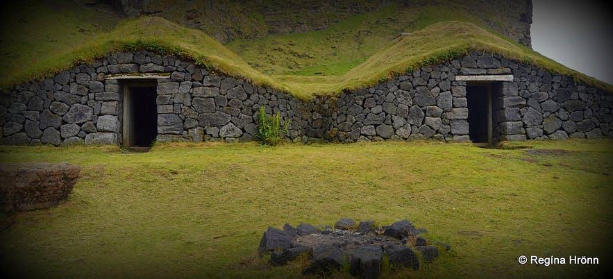 低矮的冰岛草皮屋