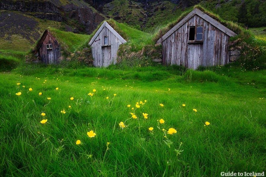冰岛草皮屋体现着独特的冰岛历史文化