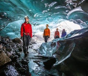 Błękitna jaskinia w Solheimajokull | Start z Reykjaviku