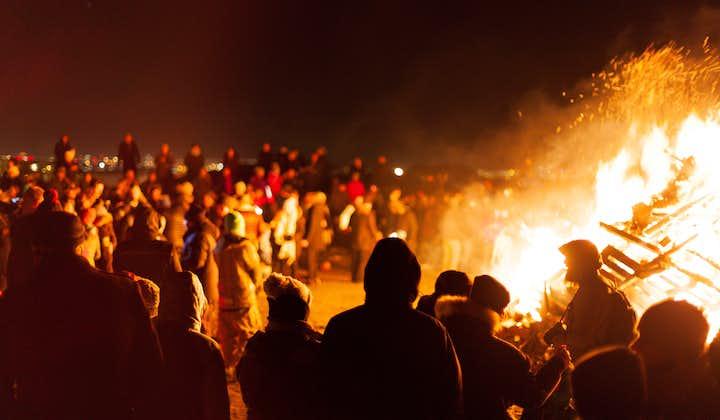 El ambiente en la víspera de año nuevo en Reikiavik es emocionante.