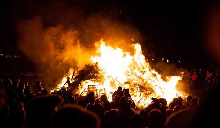 The new year's eve bonfires are a great way to prepare for the celebrations of the evening.