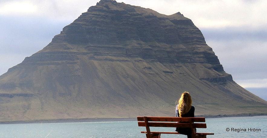 Regína by Mt. Kirkjufell in Grundarfjörður