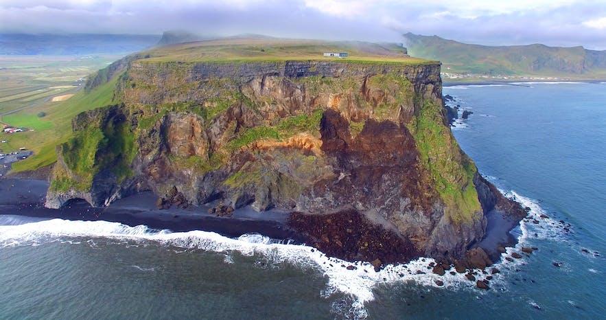 Extremely dangerous Waves by Reynisfjara and Kirkjufjara black Beaches in South-Iceland!