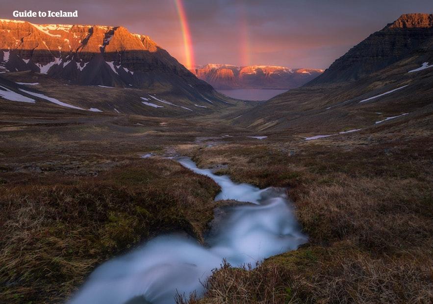 冰島西部峽灣自然風景