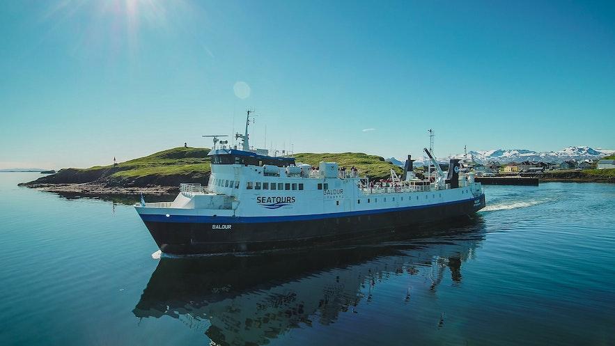 冰島西峽灣斯奈山往返渡輪