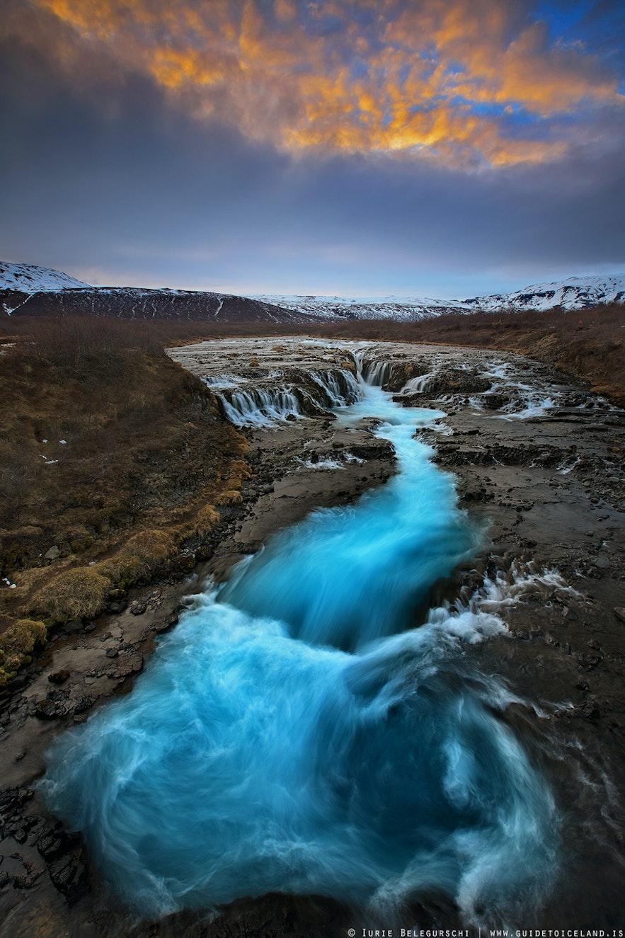 브루아르 폭포는 아이슬란드 남서부 브루아라강에서 만날 수 있습니다.