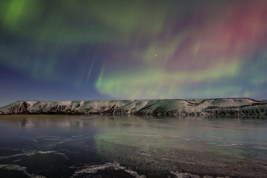 冰島雷克雅內斯半島克萊瓦湖北極光