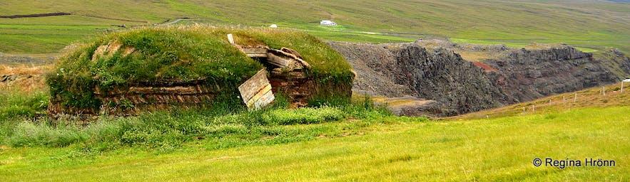 Tyrfingsstaðir Turf House in Skagafjörður in North-Iceland & Fornverkaskólinn