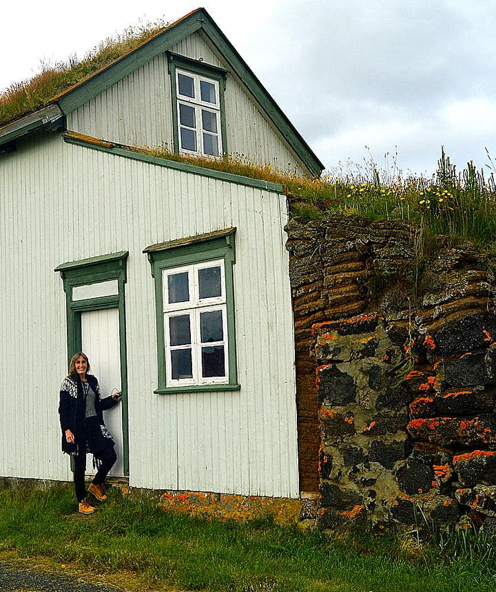 The Majestic Grænavatn Turf House at Mývatn
