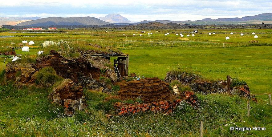 The Majestic Grænavatn Turf House at Mývatn  ruins