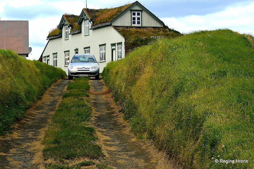 The Majestic Grænavatn Turf House at Mývatn