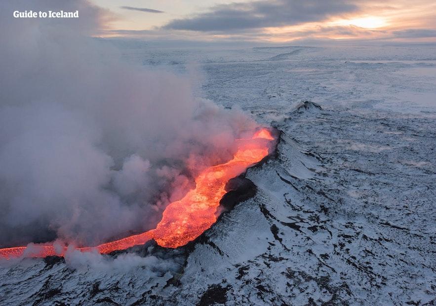 2010年冰岛的那一次火山喷发吸引了全世界的目光,不少人开始计划来冰岛工作定居