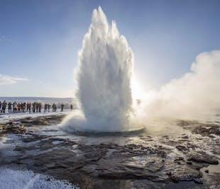 Tour al Círculo Dorado, al Cráter de Kerið y a la granja de helados en grupo pequeño
