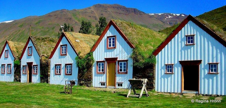 Laufás草皮屋位于冰岛北部的埃亚峡湾(Eyjafjörður,又称岛屿峡湾)内