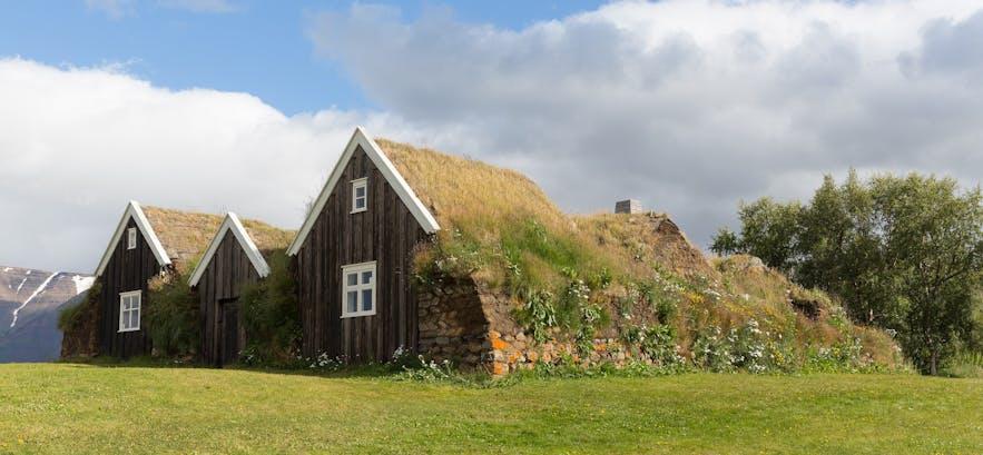 Nýibær草皮屋位于冰岛北部的霍拉尔地区(Hólar),首建于1860年