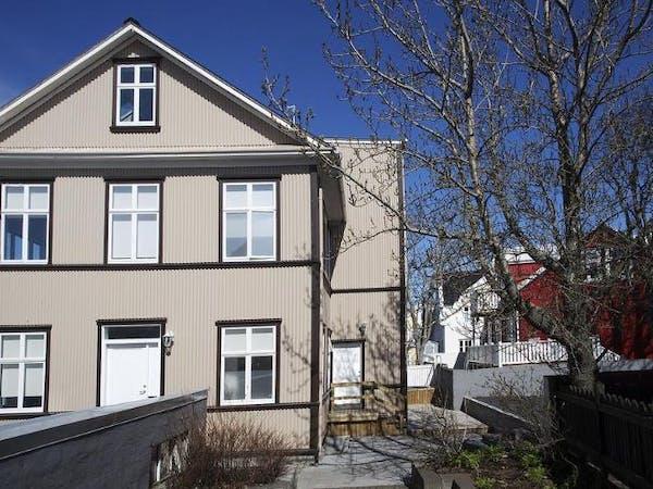 Ambassade Apartments